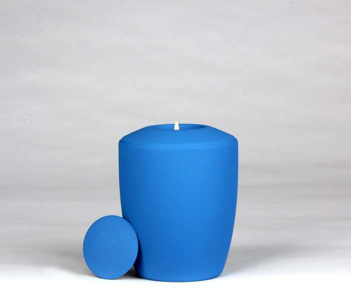 16 Urne Farbe hellblau • Deckel wahlweise in Urnenfarbe, goldener oder silberner Farbe 0,5 l - 50,00 €, 1,0 l - 60,00 €, 1,5 l - 70,00€, 2,0 l - 80,00€, 2,5 l - 90,00€ (inkl. MwSt.)
