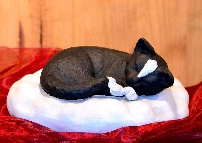 Katze auf Wolke • ca. 1,4l - 130,00 € (inkl. MwSt.). Gestaltung nach Fotovorlage möglich.